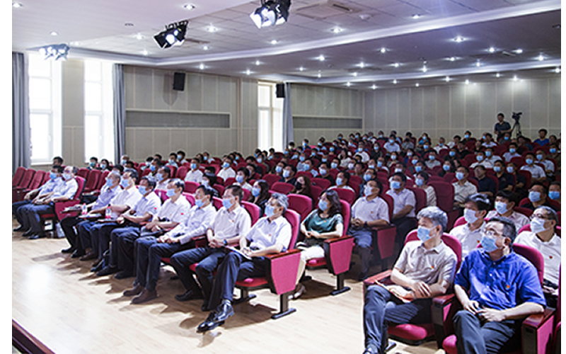 华北理工大学师生踊跃观看庆祝中国共产党成立100周年大会